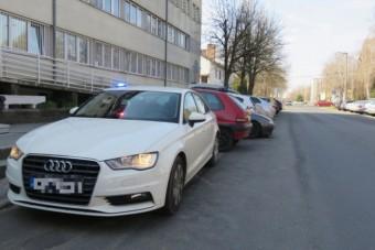 Gyűjtik a civil járőrök képeit, ezekből az autókból mérnek a rendőrök