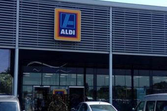 Világbajnok parkolás a győri Aldinál, csak gratulálni tudunk