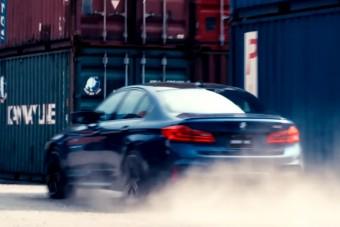 Tajpejben már csapatnak az új BMW M5-össel