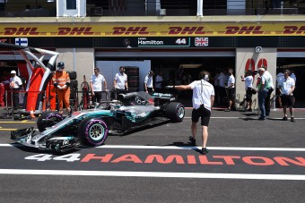 F1: Brutális balesettel zárult a szabadedzés