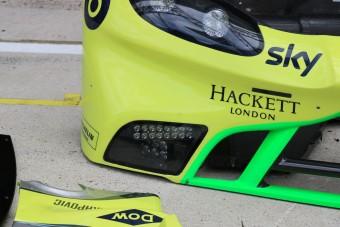 Ennyit kell reszelni egy Aston Martinon, hogy versenyautó legyen