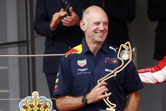 F1: Retteghet a mezőny, feléledt a Red Bull zsenije
