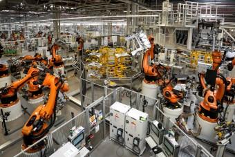Nagy veszélybe kerültek a magyar autógyárak
