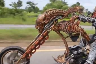 Megtaláltuk a világ legfélelmetesebb motorosát, a Szellemlovas elbújhat