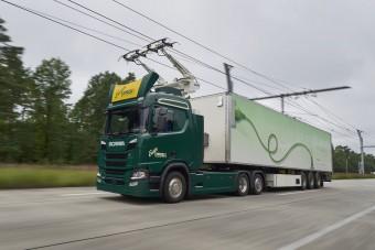 Áramszedővel ellátott teherautókkal próbálkoznak a németek