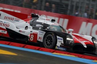 Diadalért száguld a Toyota Le Mans-ban