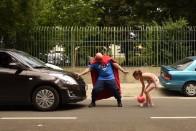 A Bosszúállóknál sokkal menőbbek a magyar mentősök szuperhősei 1