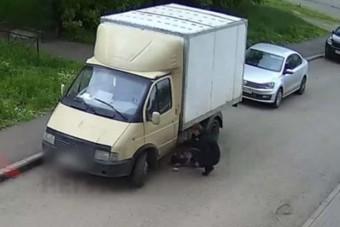 Fényes nappal az alvó sofőr mellett próbált gázolajat lopni a pofátlan tolvaj