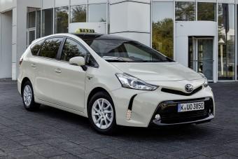 Taxisokat ugraszt egymásnak a Toyota