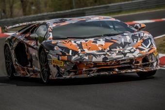 Rekorder kört futott az Aventador SVJ a Nürburgringen