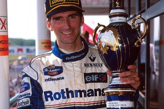 1995-ben Damon Hill győzelme hollóházi serleget ért