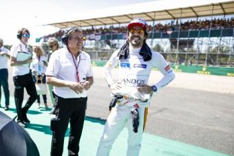 F1: Alonso csak nevet a Red Bullon