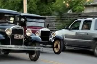 90 éves autókkal rendeztek gyorsulási versenyt