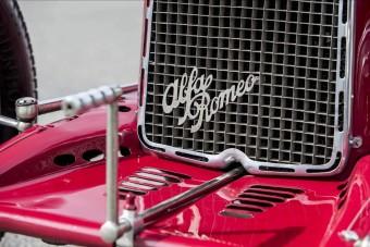 Milliárdos érték ez az öreg Alfa Romeo versenyautó