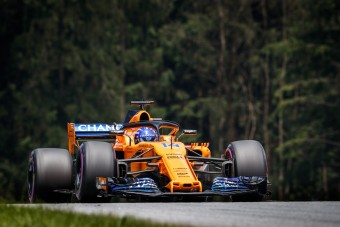 F1: Tavalyi első szárnyat használt Alonso