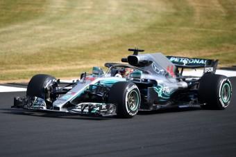 F1: Hamilton az élen, Grosjean megint összetörte