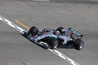 F1: A Mercedes megvédte Hamiltont