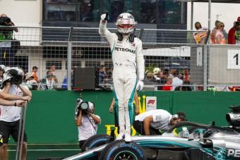 F1: A világbajnok beszólt Hamiltonnak a pole után