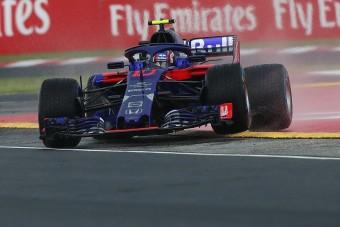 F1: Hitetlenkedik a Toro Rosso pilótája