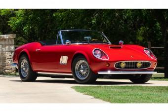 Eladó a Ferrari a Meglógtam a Ferrarival-ból, ami nem is Ferrari