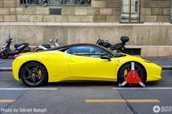 Ismét megbilincselték Budapesten azt a Ferrarit, ami már többször lakatot kapott