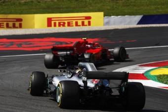 F1: Ez nyírta ki a gumikat Ausztriában