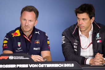 F1: A Red Bull-főnök beszólt a Mercedesnek