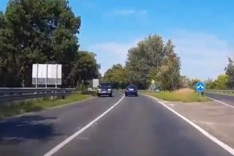 Félelmetes manővert hajtott végre egy idős autós Siófoknál