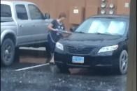 Komolyan vette fia kérését, szó szerint kipucolta az autót az anya 1