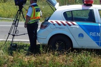 Fiktív nyílt levél a Rendőrségtől az autósoknak a sebességmérésről