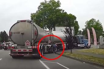 Kanyarodó kamion darált le egy kerékpárt, de vajon a sofőr a hibás?