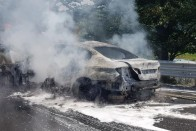 Ez a BMW nem azért füstöl, mert kigyulladt a motorja 1