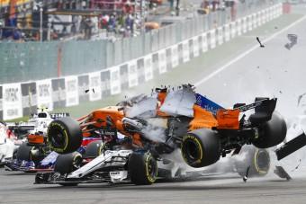 F1: A baleset lezárta a glóriavitát?