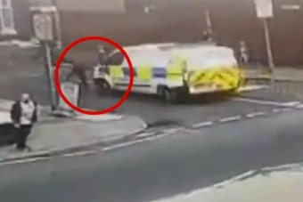 Rendőr gázolt rendőrt, a bűnöző elszelelt