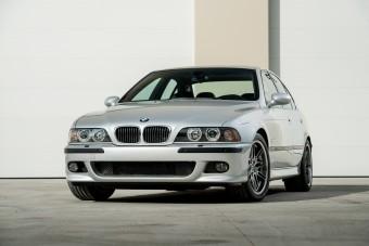 Igazi időkapszula ez az M5-ös BMW