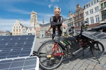Elektromos bringával Franciaországból Kínába