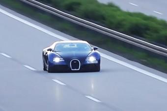 400-zal száguldott az autópályán a Bugattival