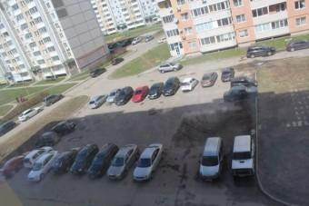 Nem vártak másra, maguk oldották meg a lakótelepen a parkolási problémát