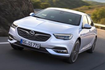 200 lóerős turbómotorral erősít az Opel Insignia