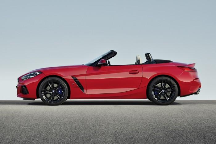 Csúcsmodellel debütál a BMW élményautója 4