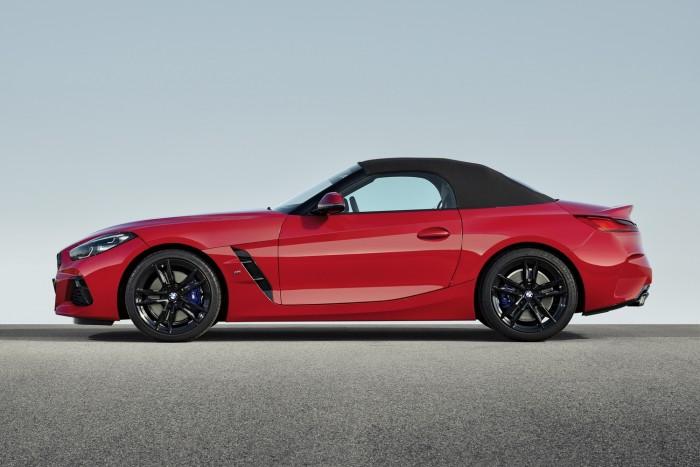 Csúcsmodellel debütál a BMW élményautója 3