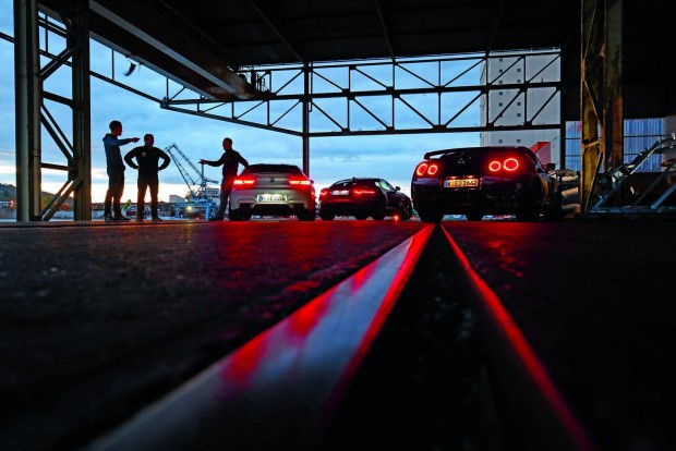 Nissan GT-R: árban mindenkit ver