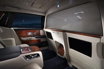 Elvágja utasait a külvilágtól a Rolls-Royce