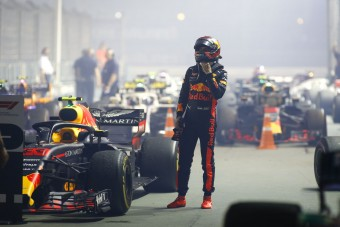 F1: Két hét múlva büntethetik Verstappent