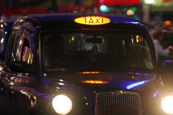 Részeg nőket erőszakolt meg egy taxis