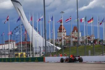 F1: Hat pilótát büntettek, ez lesz a rajtsorrend