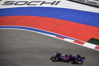 F1: Horrorbalesetet úszott meg Gasly