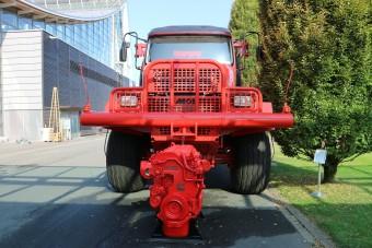 Ilyen egy 230(!!!) tonnás teherautó