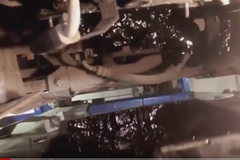 Könnyfakasztó videó a pokoli műhelyek mélyéről