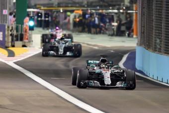 F1: Esélytelen a harmadik autók bevezetése